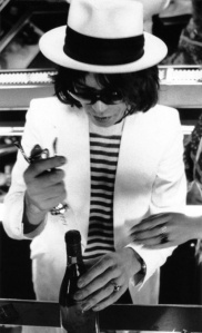 412x678xmick-jagger-white-suit-photo.jpg.pagespeed.ic_.chfpyrtTfl